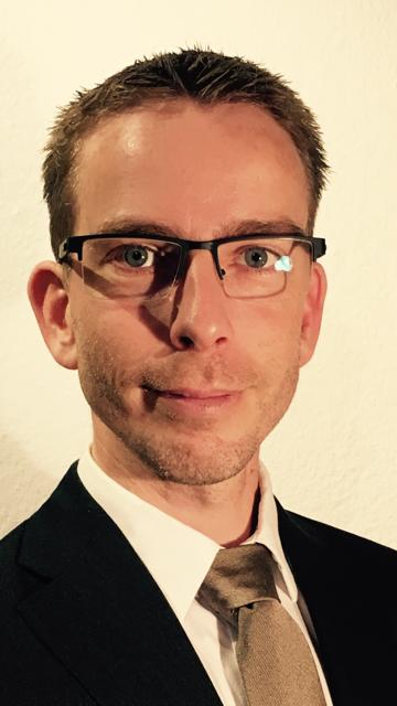 Dr. Niels Holm